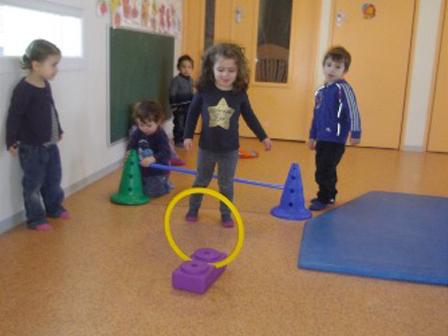 Activité en salle de psychomotricité